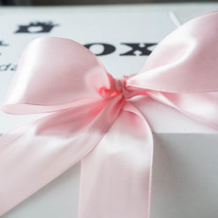 Kokarda różowa błyszcząca